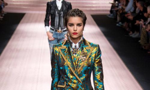 2b84bec5e1359 Marianne Bittencourt para a Dolce   Gabbana na Milan Fashion Week SS19